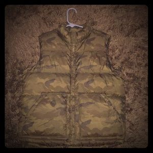 Winter/fall camouflage vest